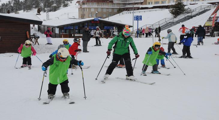 esquiar-niños-astun